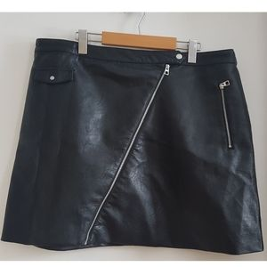 H&M false leather skirt